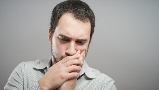 halsbetennelse dårlig ånde