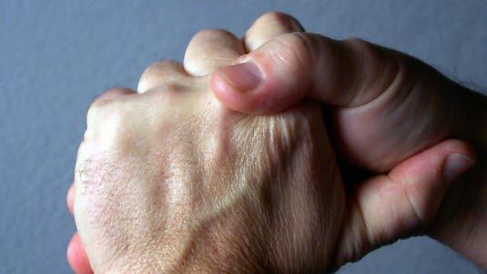 Vondt i ytterste ledd i fingrene