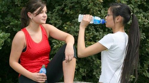6475-2-drikke-vann.jpg