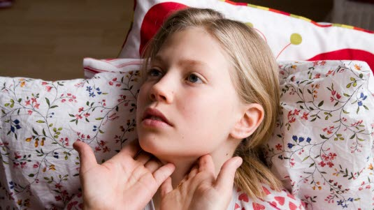 hovne lymfeknuter hals symptomer