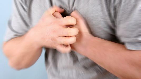 hjerteinfarkt symptomer armen