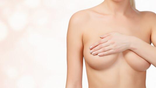 kreftsvulst i brystet